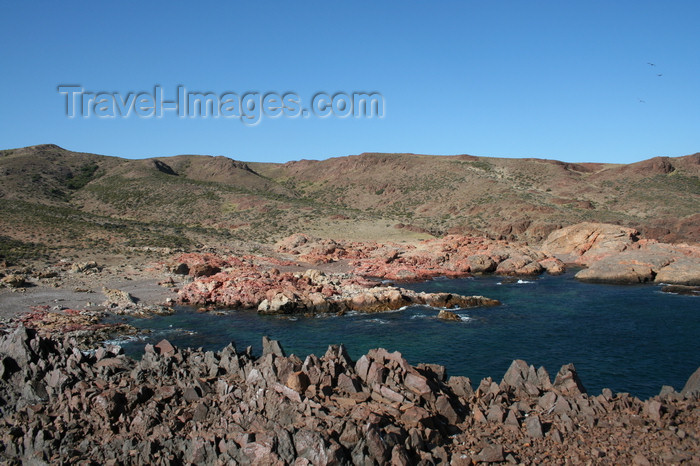 argentina162: Argentina - Caleta Horno - Bahía Gil (Chubut Province): rocky shore - photo by C.Breschi - (c) Travel-Images.com - Stock Photography agency - Image Bank