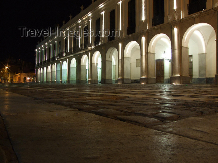 argentina203: Argentina - Córdoba - Plaza San Martin Nocturnal - arches of the Cabildo - images of South America by M.Bergsma - (c) Travel-Images.com - Stock Photography agency - Image Bank