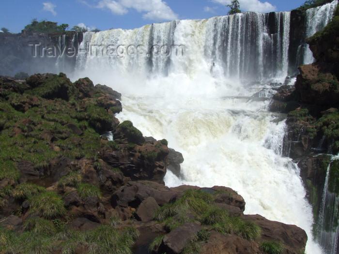 argentina223: Argentina - Iguazu Falls - left turn - images of South America by M.Bergsma - (c) Travel-Images.com - Stock Photography agency - Image Bank