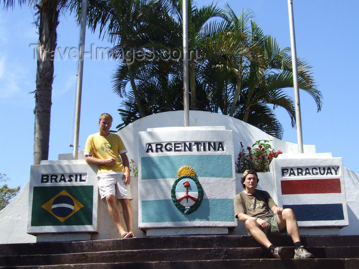 argentina247: Argentina - Puerto Iguazu - travelers where Argentina, Brazil and Paraguay meet - images of South America by M.Bergsma - (c) Travel-Images.com - Stock Photography agency - Image Bank