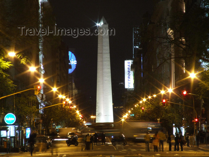 argentina306: Argentina - Buenos Aires - Avenida de Mayo and obelisk - nocturnal - images of South America by M.Bergsma - (c) Travel-Images.com - Stock Photography agency - Image Bank