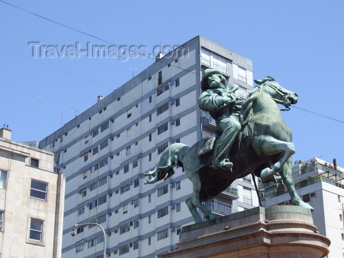 argentina322: Argentina - Buenos Aires - Garibaldi equestrian statue, by Eugenio Maccagnani, Palermo - images of South America by M.Bergsma - (c) Travel-Images.com - Stock Photography agency - Image Bank