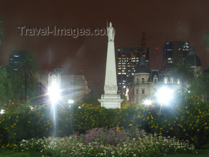 argentina335: Argentina - Buenos Aires - Obelisk at the Plaza de Mayo - nocturnal - images of South America by M.Bergsma - (c) Travel-Images.com - Stock Photography agency - Image Bank
