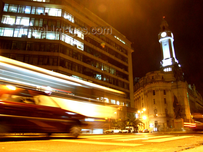 argentina341: Argentina - Buenos Aires - Plaza de Mayo nocturnal - images of South America by M.Bergsma - (c) Travel-Images.com - Stock Photography agency - Image Bank