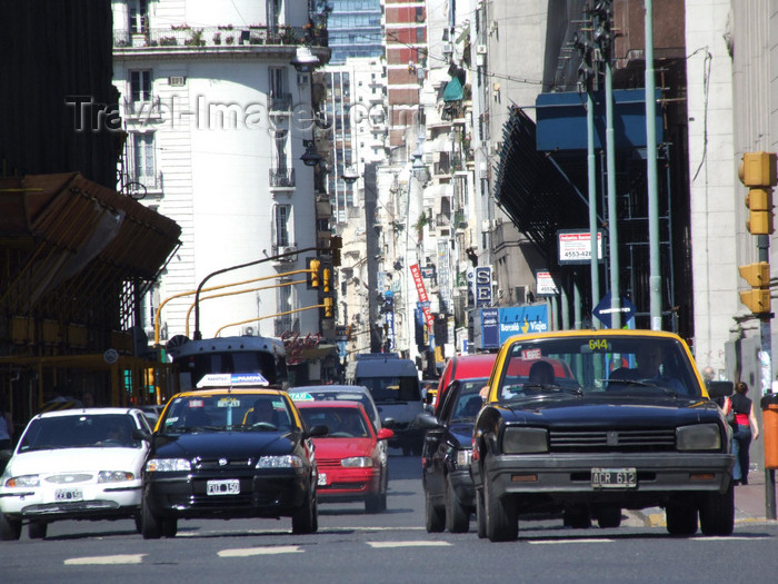 argentina364: Argentina - Buenos Aires - Streetscene - images of South America by M.Bergsma - (c) Travel-Images.com - Stock Photography agency - Image Bank