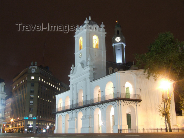 argentina367: Argentina - Buenos Aires - The Cabildo - nocturnal - images of South America by M.Bergsma - (c) Travel-Images.com - Stock Photography agency - Image Bank