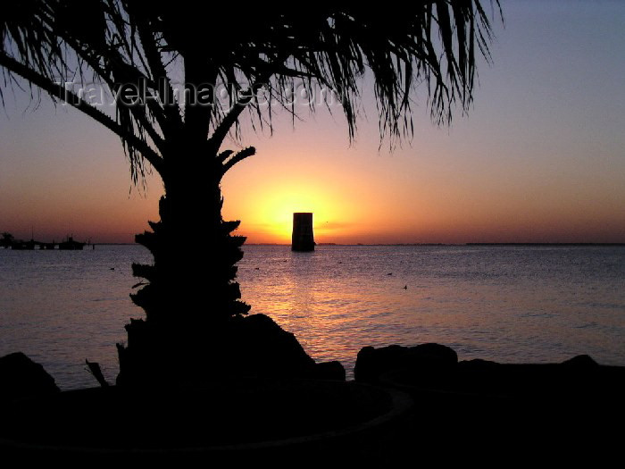 argentina37: Argentina - Miramar (Cordoba province): Laguna Mar Chiquita - sunset over a flooded area - photo by Captain Peter - (c) Travel-Images.com - Stock Photography agency - Image Bank