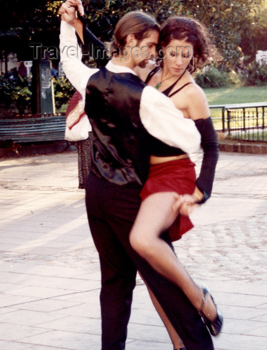 argentina77: Argentina - Buenos Aires: street tango - dance (photo by C.Abalo) - (c) Travel-Images.com - Stock Photography agency - Image Bank