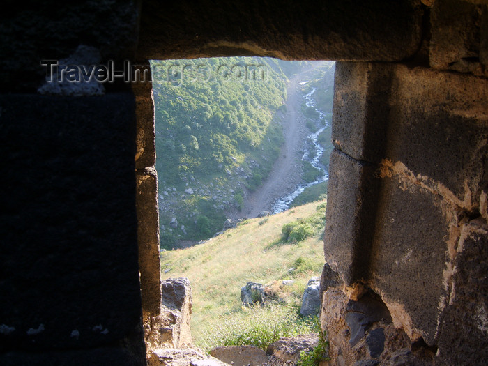 armenia100: Armenia - Ambert / Amberd, Aragatsotn province: river canyon seen from above - photo by S.Hovakimyan - (c) Travel-Images.com - Stock Photography agency - Image Bank