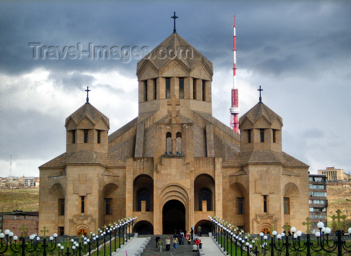 armenia119: Armenia - Yerevan: Cathedral of St. Gregory the Illuminator - the world's largest Apostolic cathedral - photo by S.Hovakimyan - (c) Travel-Images.com - Stock Photography agency - Image Bank