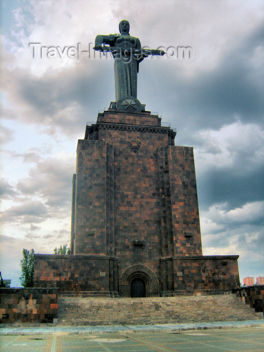 armenia122: Armenia - Yerevan: 'Mother Armenia' monument - Haghtanak / Victory park - photo by S.Hovakimyan - (c) Travel-Images.com - Stock Photography agency - Image Bank