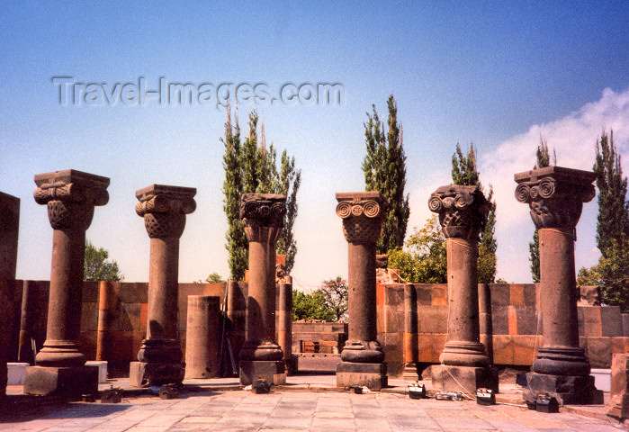 armenia30: Armenia - Zvartnots, Armavir province: ruins of the temple built by Catholicos Nerses III (VII century) UNESCO world heritage site - photo by M.Torres - (c) Travel-Images.com - Stock Photography agency - Image Bank