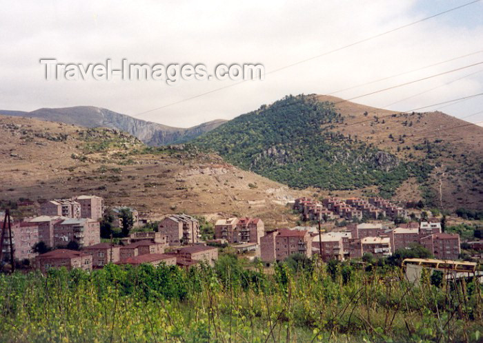 armenia40: Armenia - Goris (Syunik province): under the hills (photo by M.Torres) - (c) Travel-Images.com - Stock Photography agency - Image Bank