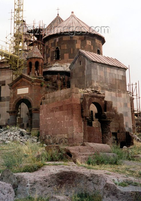armenia45: Armenia - Haritch: church of Holy Astvatsatsin - Mother of God - photo by M.Torres - (c) Travel-Images.com - Stock Photography agency - Image Bank