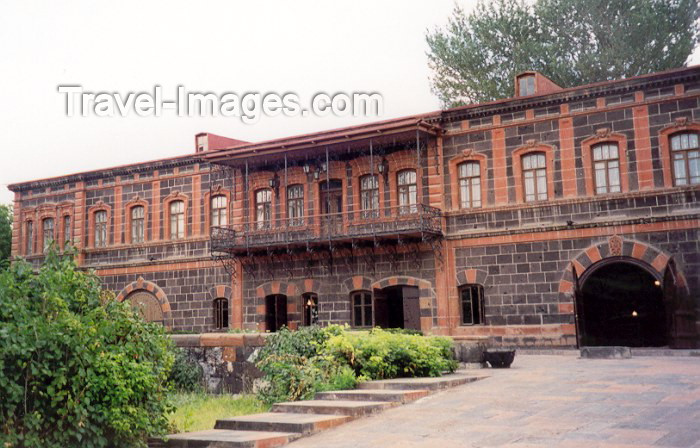 armenia54: Armenia - Gyumri: national museum - formerly the Zitoghtiants palace (photo by M.Torres) - (c) Travel-Images.com - Stock Photography agency - Image Bank