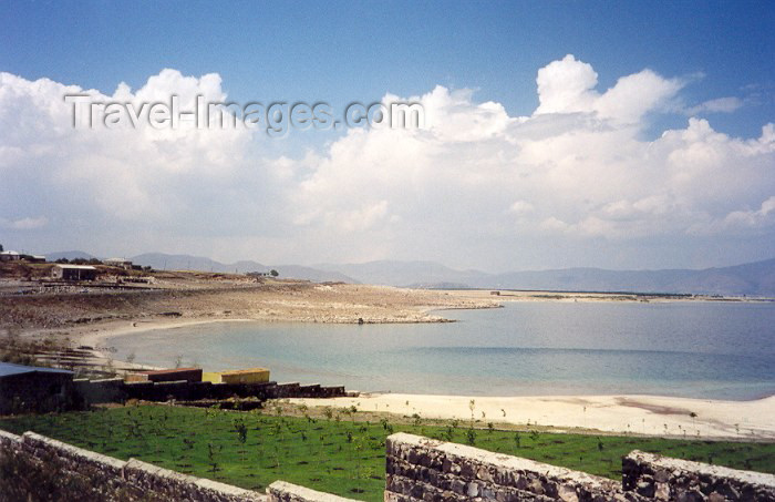 armenia62: Armenia - Tzovazard, Gegharkunik province: beach on lake Sevan - photo by M.Torres - (c) Travel-Images.com - Stock Photography agency - Image Bank