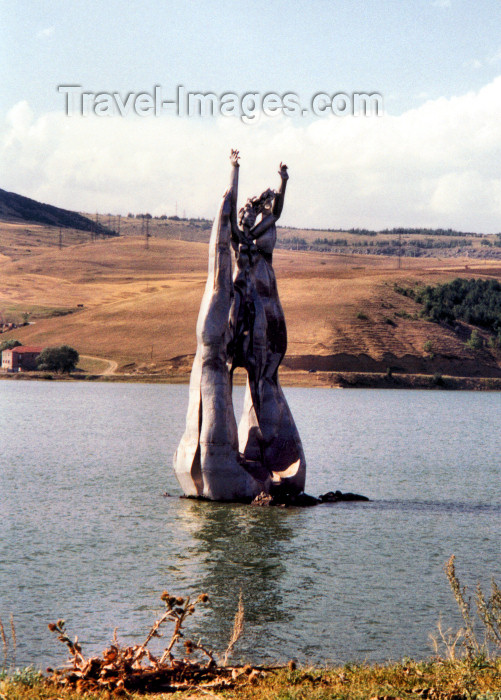 armenia65: Armenia - Hrazdan, Kotayk province: water spirit - modern art - sculpture in a pond (photo by M.Torres) - (c) Travel-Images.com - Stock Photography agency - Image Bank