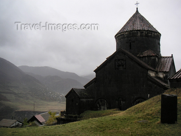 armenia77: Armenia - Debed Canyon - Tumanian region - northern Armenia: Church in Haghpat monastery - Unesco world heritage site (photo by A.Kilroy) - (c) Travel-Images.com - Stock Photography agency - Image Bank