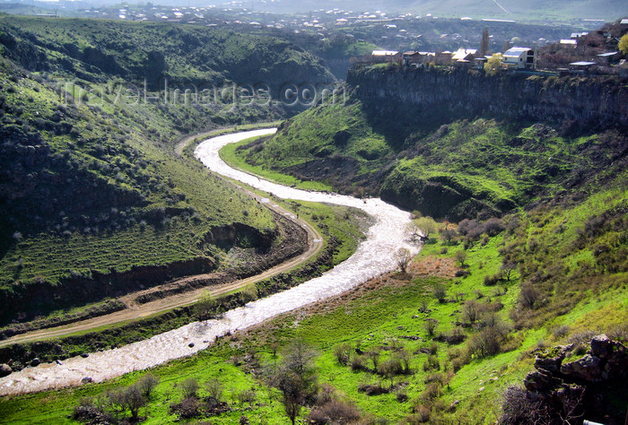 armenia83: Armenia - Lusakert / Arpavar, Ararat province: canyon of the Hrazdan river - photo by S.Hovakimyan - (c) Travel-Images.com - Stock Photography agency - Image Bank