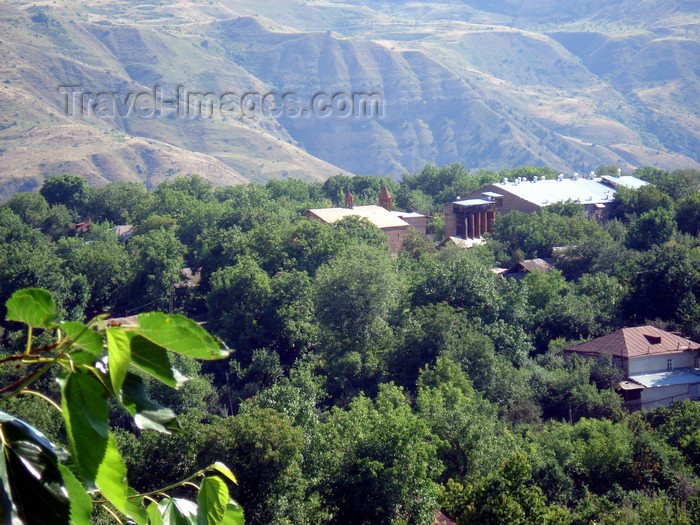 armenia85: Armenia - Garni - Kotayk province: houses lost in nature - photo by A.Ishkhanyan - (c) Travel-Images.com - Stock Photography agency - Image Bank