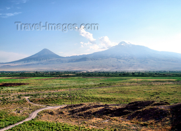 armenia91: Armenia - Khor Virap, Ararat province: view of Mount Ararat and the Ararat valley - photo by A.Ishkhanyan - (c) Travel-Images.com - Stock Photography agency - Image Bank