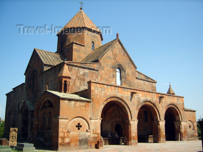 armenia95: Armenia - Echmiatzin, Armavir province: St. Gayane church - a domed basilica with an octahedral drum - built by Catholicos Ezra in 630 - UNESCO World Heritage List - photo by S.Hovakimyan - (c) Travel-Images.com - Stock Photography agency - Image Bank