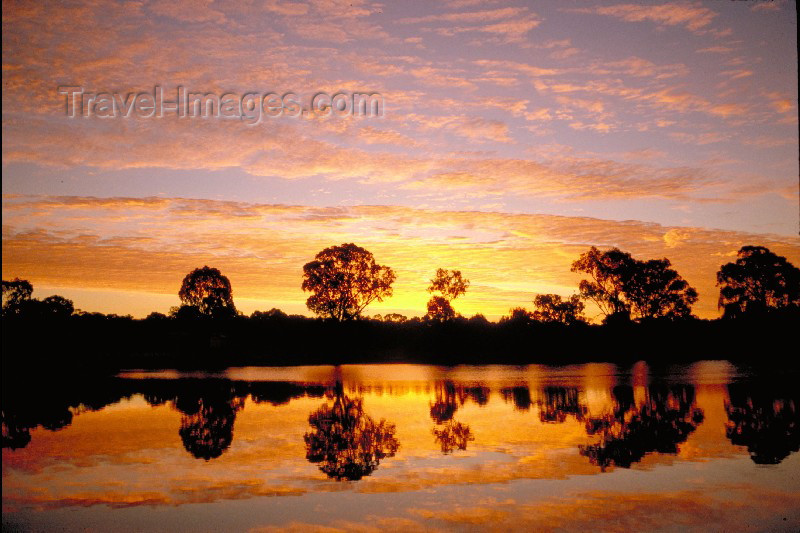 australia11: Australia - Murray River (SA): glorious sunset - photo by Rod Eime - (c) Travel-Images.com - Stock Photography agency - Image Bank