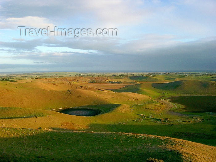 australia158: Australia - Red Cliff Colac (Victoria) - photo by Luca Dal Bo - (c) Travel-Images.com - Stock Photography agency - Image Bank