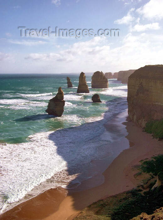australia171: Australia - Twelve Apostoles - Great Ocean Road (Victoria) - photo by Luca Dal Bo - (c) Travel-Images.com - Stock Photography agency - Image Bank