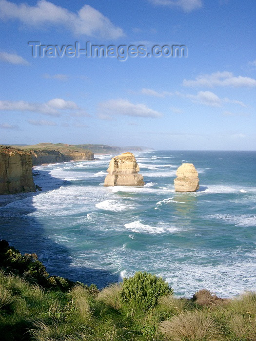 australia172: Australia - Twelve Apostoles (Victoria) - photo by Luca Dal Bo - (c) Travel-Images.com - Stock Photography agency - Image Bank