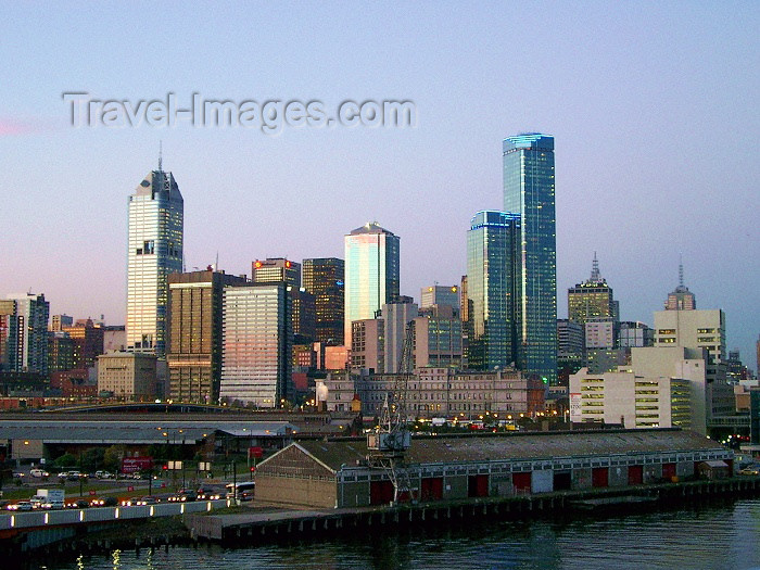 australia37: Australia - Melbourne (Victoria): evening - photo by Luca Dal Bo - (c) Travel-Images.com - Stock Photography agency - Image Bank