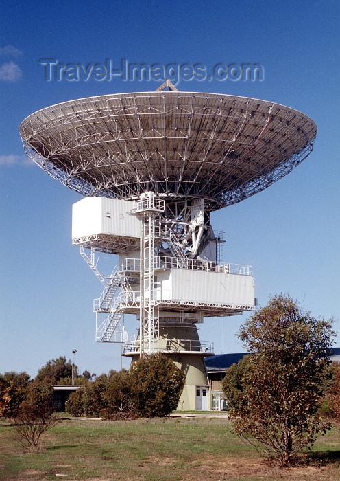 australia391: Australia - Ceduna, Eyre Peninsula: 30m Radio telescope antenna - photo by Rod Eime - (c) Travel-Images.com - Stock Photography agency - Image Bank