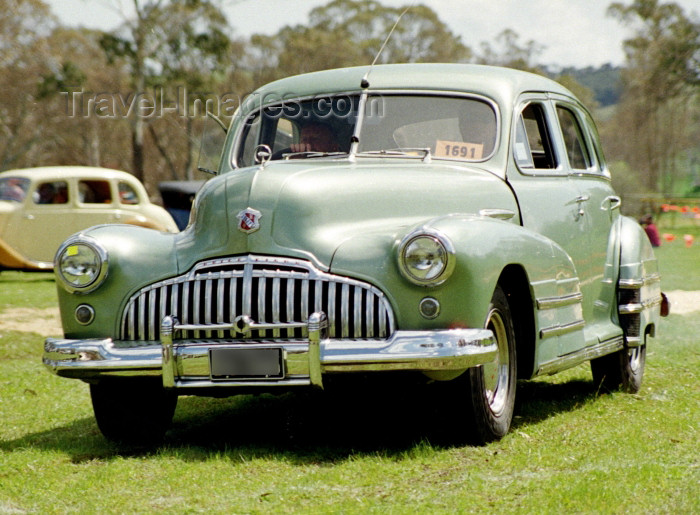 australia393: Australia - Adelaide (SA): 1946 Buick sedan - Bay to Birdwood vintage car parade - photo by Rod Eime - (c) Travel-Images.com - Stock Photography agency - Image Bank