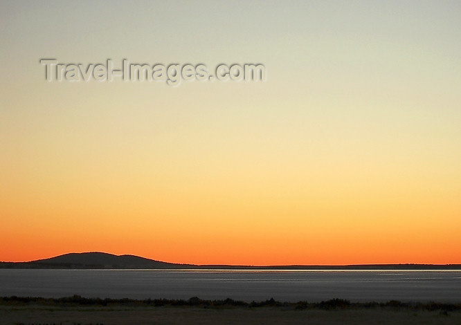 australia436: Australia -Mount and Lake Greenly (SA): sunset  Eyre Peninsula - photo by Luca Dal Bo - (c) Travel-Images.com - Stock Photography agency - Image Bank