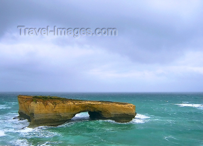 australia457: Australia - Great Ocean Road (Victoria): London Bridge - photo by Luca Dal Bo - (c) Travel-Images.com - Stock Photography agency - Image Bank