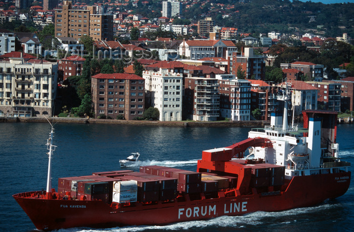 australia536: Australia - Sydney (NSW): container-ship - Forum Line (photo by  Y.Guichaoua) - (c) Travel-Images.com - Stock Photography agency - Image Bank