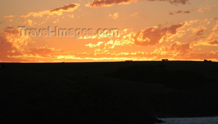 australia557: Australia - Penshaw - Kangaroo Island (SA): at sunset - photo by R.Zafar - (c) Travel-Images.com - Stock Photography agency - Image Bank