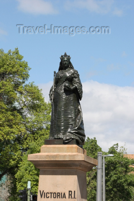 australia561: Australia - Adelaide (SA): statue of Queen Victoria at Victoria Square - photo by R.Zafar - (c) Travel-Images.com - Stock Photography agency - Image Bank