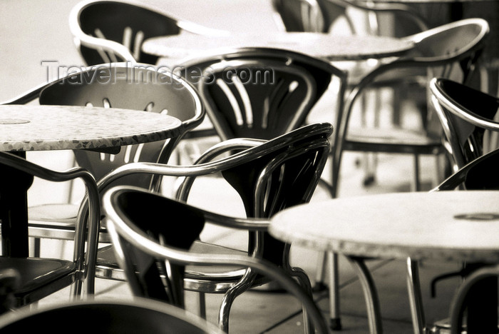 australia636: Australia - Adelaide (SA): café tables - photo by S.Lovegrove - (c) Travel-Images.com - Stock Photography agency - Image Bank