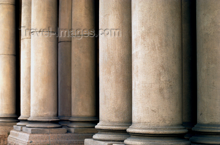 australia638: Australia - Adelaide (SA): classical columns - photo by S.Lovegrove - (c) Travel-Images.com - Stock Photography agency - Image Bank