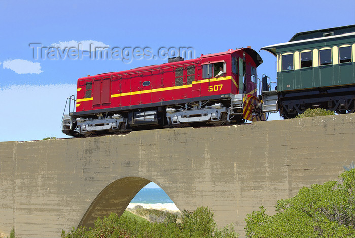 australia659: Australia - Port Elliot area, South Australia: Diesel train crossing Bridge - photo by G.Scheer - (c) Travel-Images.com - Stock Photography agency - Image Bank