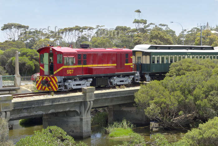 australia660: Australia - South Australia: Diesel Train crossing Bridge over Hindmarsh River - photo by G.Scheer - (c) Travel-Images.com - Stock Photography agency - Image Bank