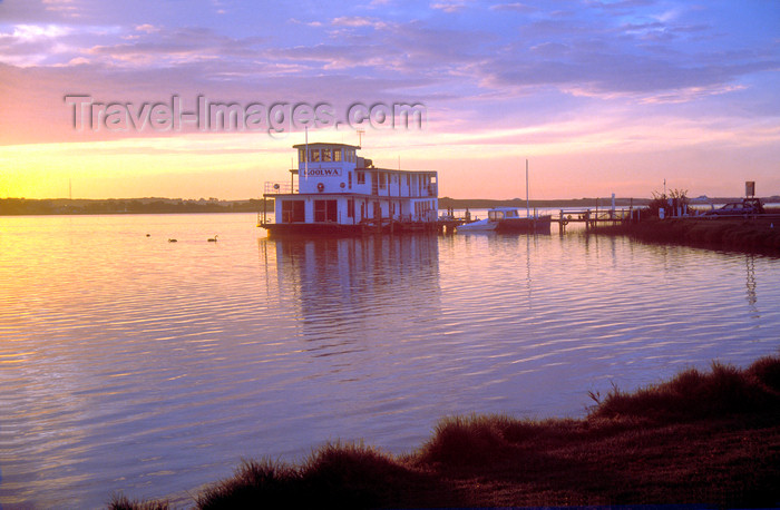 australia685: Australia - Goolwa, South Australia: Paddle Boat - photo by G.Scheer - (c) Travel-Images.com - Stock Photography agency - Image Bank