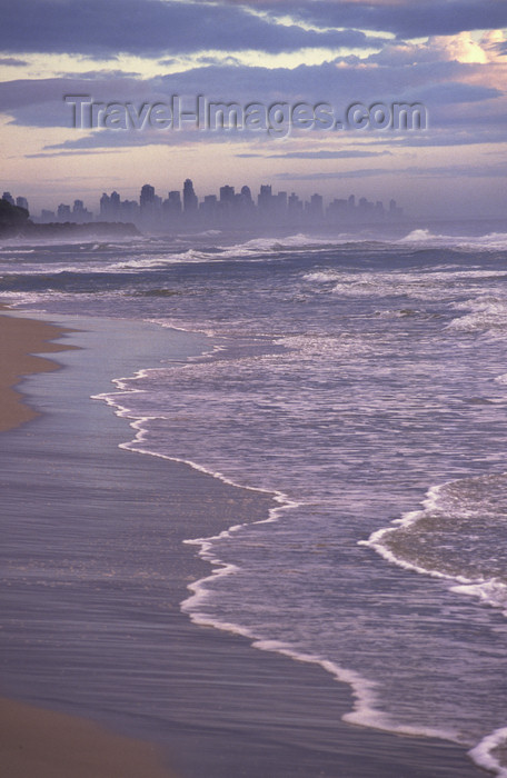 australia721: Gold Coast, Queensland, Australia - beach and city skyline - photo by Y.Xu - (c) Travel-Images.com - Stock Photography agency - Image Bank