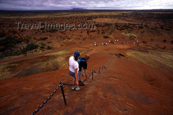 australia729: Ayers Rock / Uluru - Northern Territory, Australia: going down - photo by Y.Xu - (c) Travel-Images.com - Stock Photography agency - Image Bank