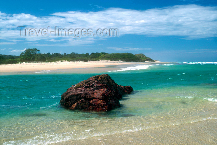 australia747: Yuraygir National Park, New South Wales, Australia: Red Rock Beach - photo by G.Scheer - (c) Travel-Images.com - Stock Photography agency - Image Bank