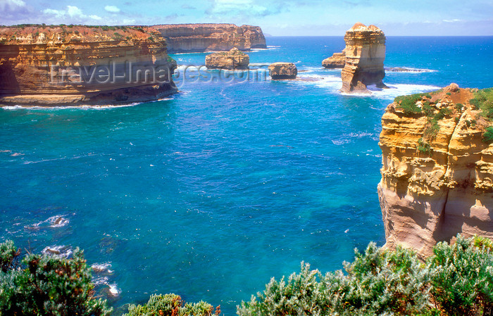 australia774: Great Ocean Road, Victoria, Australia: coastal cliffs and rock formations - photo by G.Scheer - (c) Travel-Images.com - Stock Photography agency - Image Bank