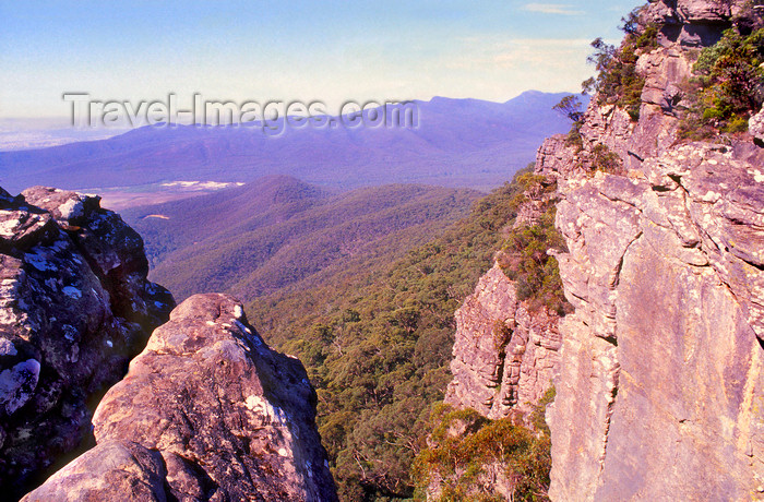 australia787: Grampians National Park, Victoria, Australia: near the top of Mt. Rosea - photo by G.Scheer - (c) Travel-Images.com - Stock Photography agency - Image Bank