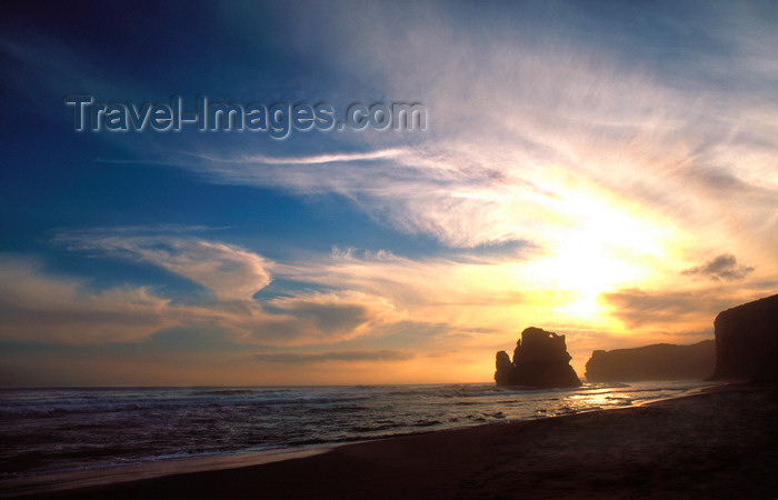 australia798: Great Ocean Road, Victoria, Australia: Sunset - Gibson Steps, looking west along the coast - Port Campbell National Park, Victoria, Australia - photo by G.Scheer - (c) Travel-Images.com - Stock Photography agency - Image Bank