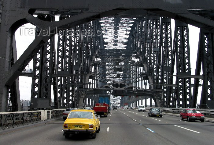 australia80: Australia - Sydney (NSW): crossing the Harbour Bridge - traffic  (photo by Angel Hernandez) - (c) Travel-Images.com - Stock Photography agency - Image Bank